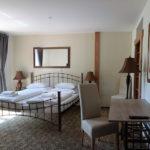 Dvoulůžkový pokoj s manželskou postelí - Hotel BouCZECH ****